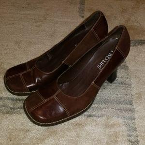 Two lips heels sz 10